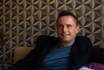 Mark Stanford dan Gaya Baru di Pantai Kuta
