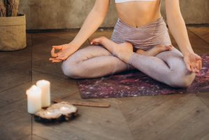 Meditasi dengan Menatap Lilin, Apa Manfaatnya?